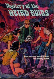 Mystery at the weird ruins PDF