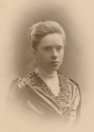 Photo of Flora Masson