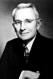 Photo of Dale Carnegie