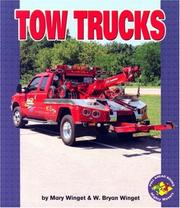 Cover of: Tow Trucks (Pull Ahead Books)