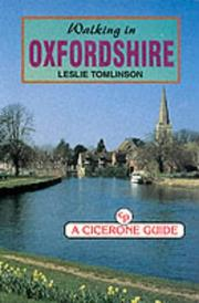 Cover of: Walking in Oxfordshire (County) | Leslie Tomlinson